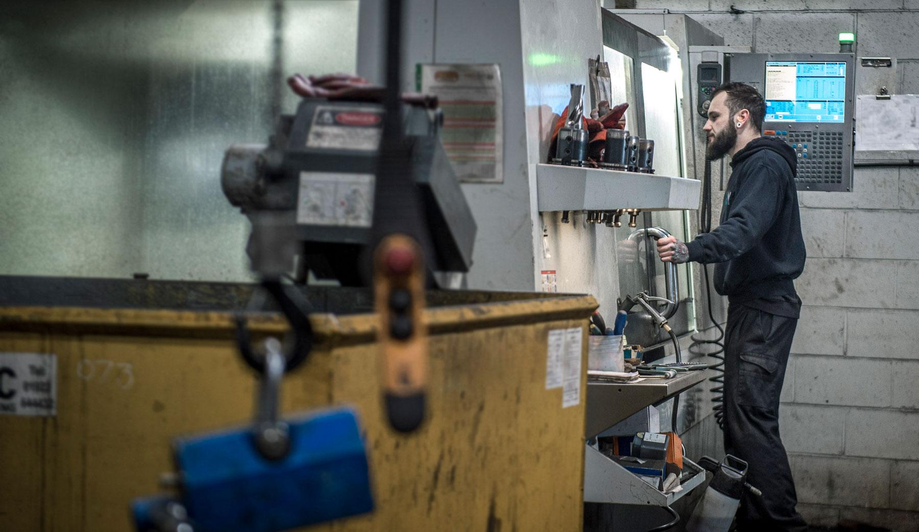 Alpha Machine Knife CNC